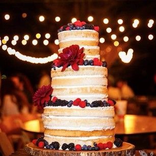 Naked cake decorada con frutas