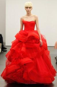 Vestido de novia rojo por Vera Wang