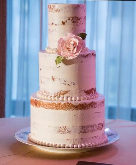 """Naked cake """"vestida"""""""