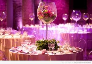 Centro de mesa copa llena de flores