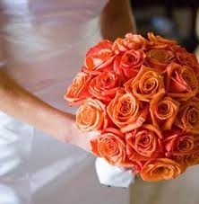 Precioso ramo de novia naranja