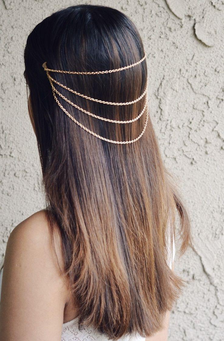 Peinado de novia con cadena sencilla en color dorado de Topinspired.com