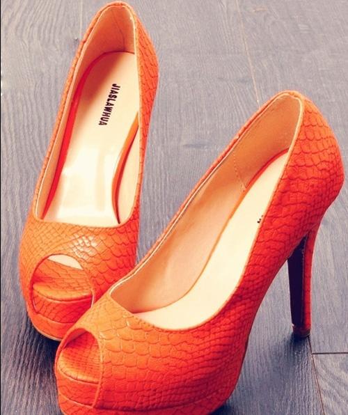 Zapatos en color naranja